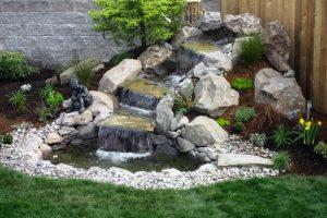 Cascade pour bassin : pourquoi l'installer ?
