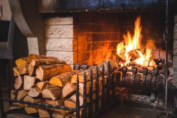 Installer une cheminée : quelles sont les questions à se poser ?