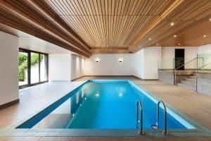 Baisse ou fuite d'eau dans une piscine: 3 choses à savoir