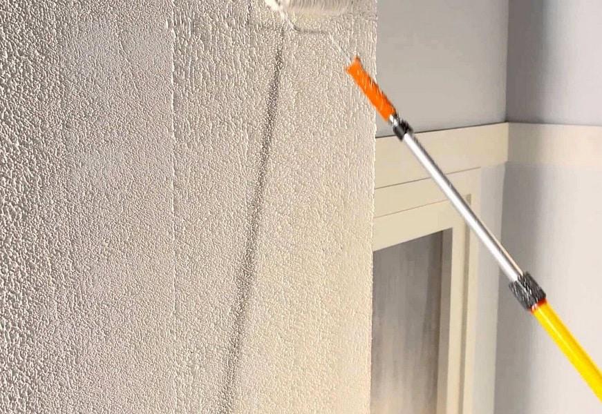 Enduire un mur en parpaing : comment procéder ?