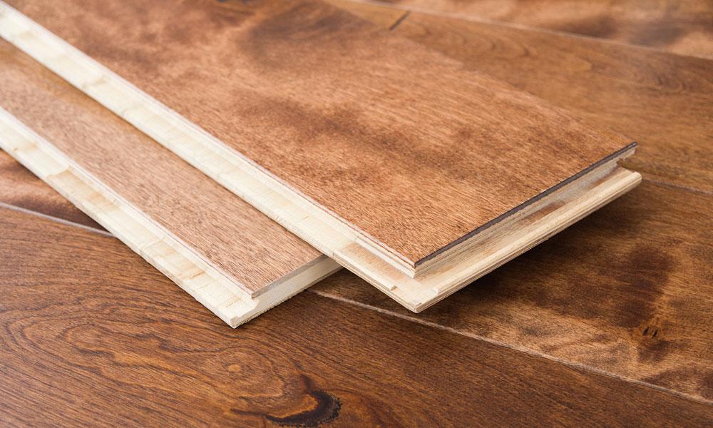 Comment poser un parquet sur un vieux plancher bois ?