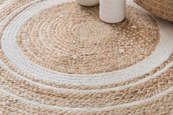 Comment laver un tapis en toile de jute ?